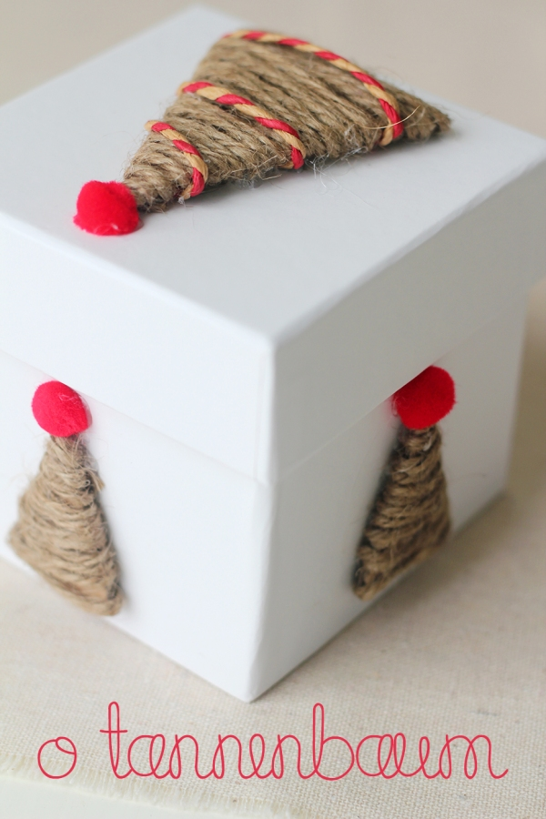 twine tree gift wrap decorations using cardboard wrapped in twine and a pompom on top