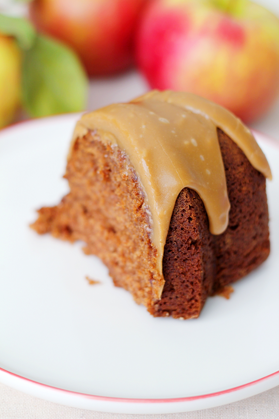 ... Pinteresty time of year: Applesauce spice cake - Splash of Something
